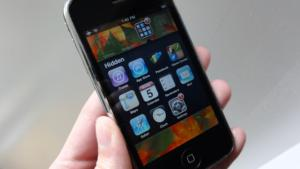 5 ways to prep an old iphone for a child hide apple apps 4