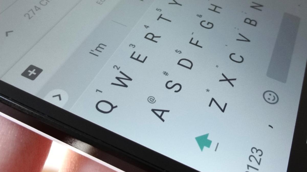 Symbol shortcuts on iPhone letter keys