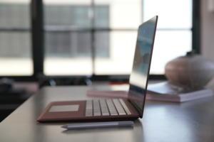 Microsoft-Surface-Laptop-surface-pen