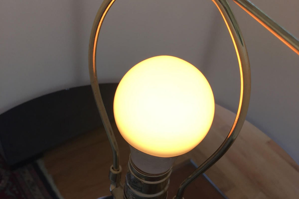 Geeni Smart Bulb reviews: The Lux 800 and Prisma 450 put to