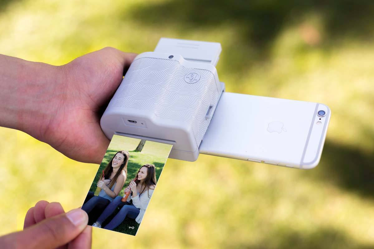 Prynt Pocket Review The Ultimate Party Photo Printer For Your Ink Free Mobile Technology Iphone Macworld