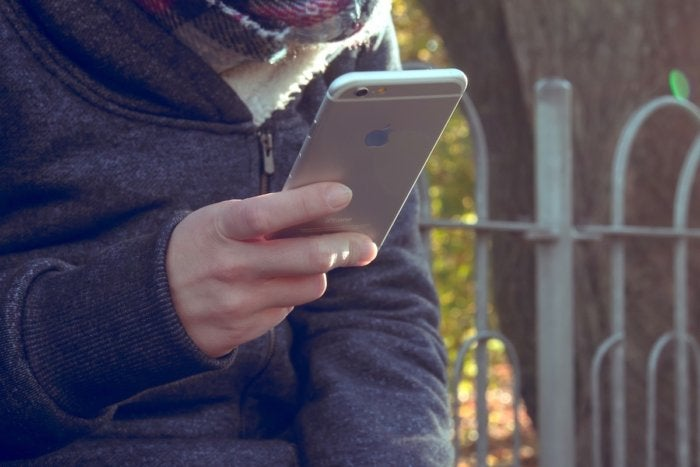 iphone back pexels 100728558 orig
