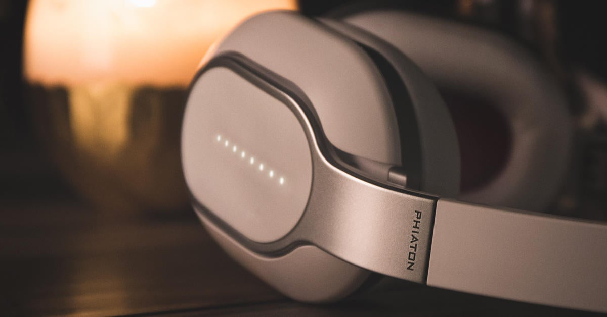 Phiaton Bt 460 Headphone Review Sleek Smart And Feature Rich But They Sound Best Wired Techhive