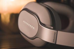 Phiaton's BT460 Bluetooth wireless headphones
