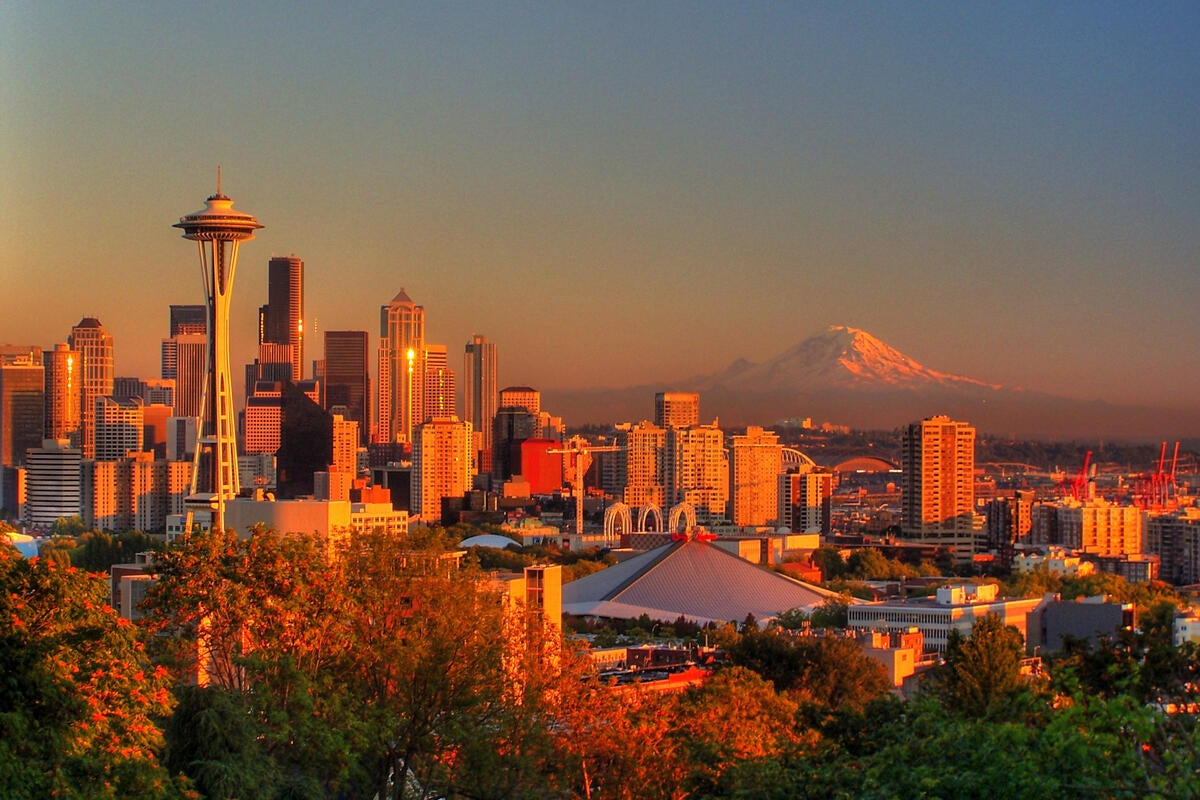 Seattle skyline sunset [ CC BY 2.0 / manleyaudio ]