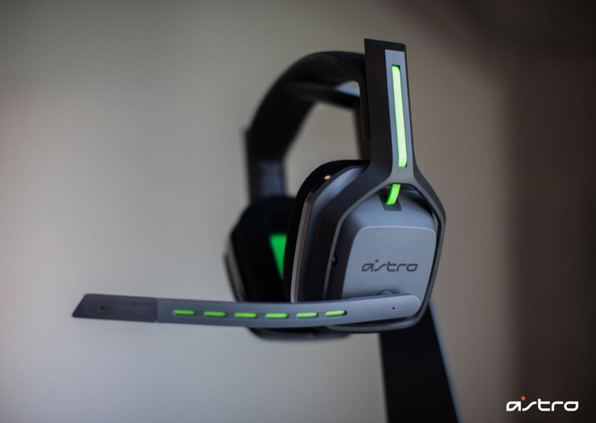 astro 39 s a20 gaming headset ditches the a10 39 s wires for. Black Bedroom Furniture Sets. Home Design Ideas
