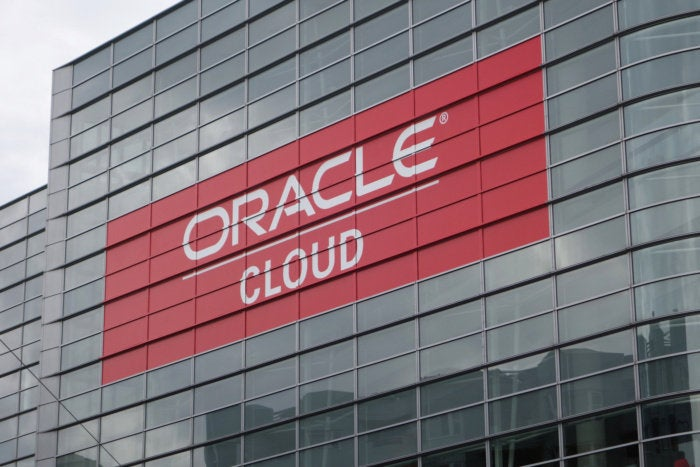 Oracle introduces hybrid cloud solution -- for its own cloud
