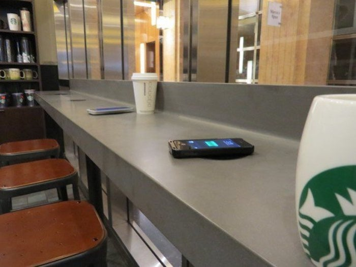 powermat charging starbucks