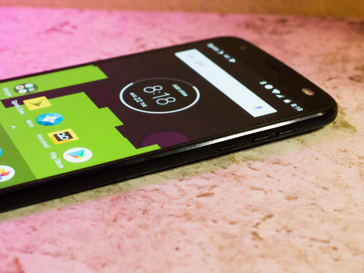 Moto Z2 Force review: A modular phone with very few tricks