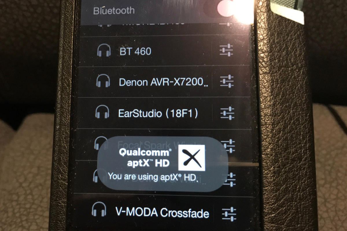 Pairing the XB810 with Astell&Kern's AK70 DAP confirmed an aptX HD wireless connection.