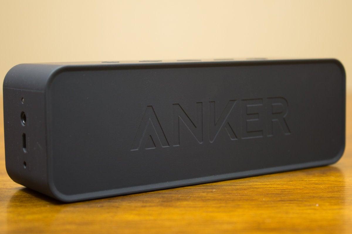 anker soundcore a3102 back