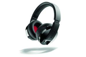 Focal Listen Wireless headphones.focal listenwireless hero