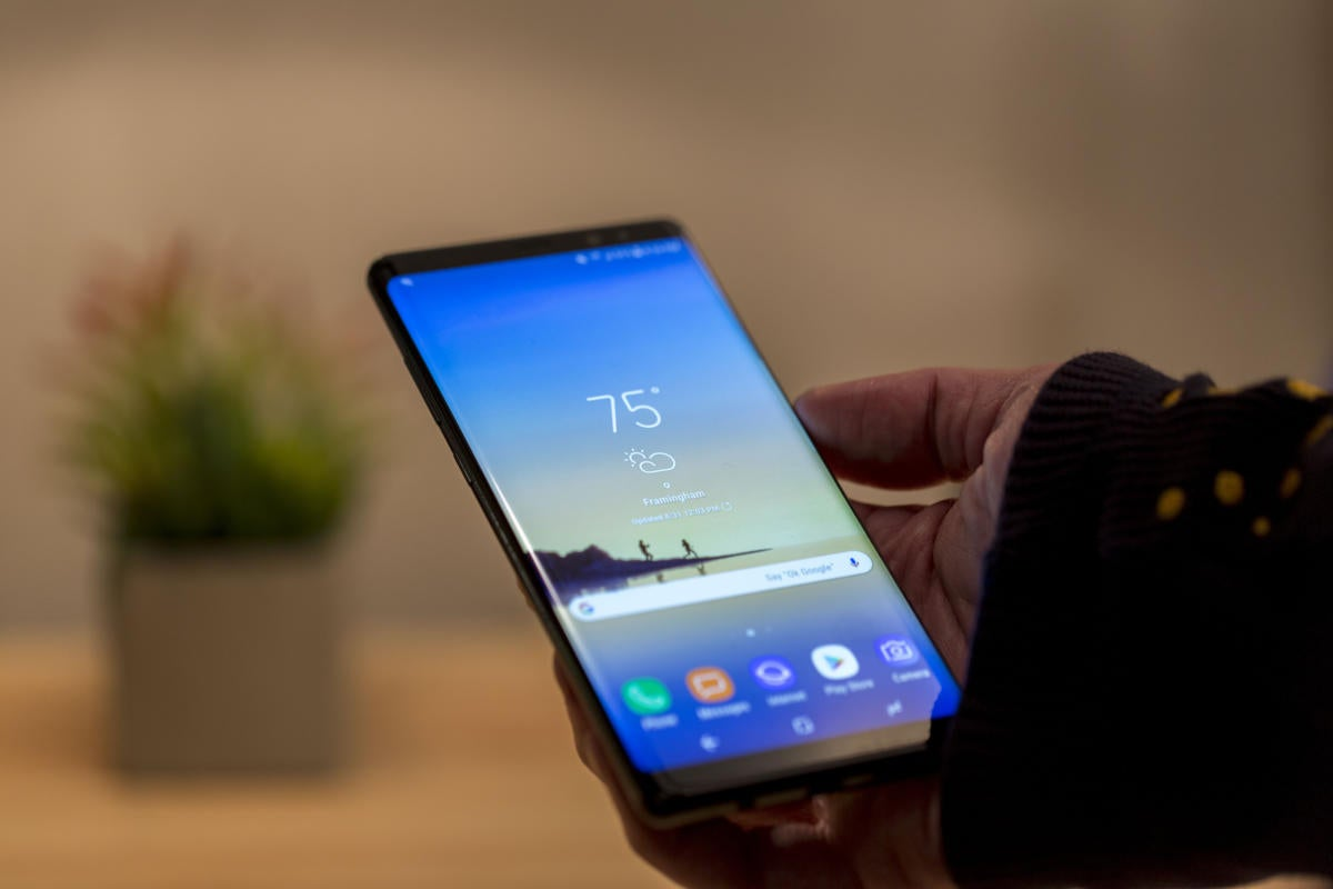 galaxy note8 holding