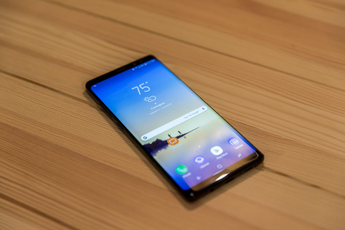 galaxy note8 on table