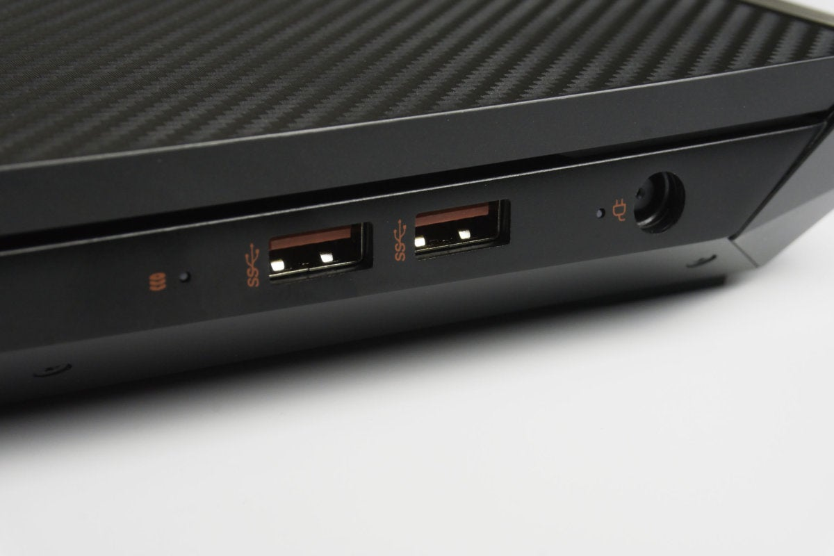 hp omen ports right