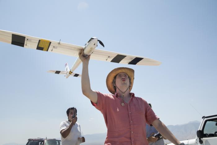 Microsoft's self-soaring sailplane improves IoT, digital assistants