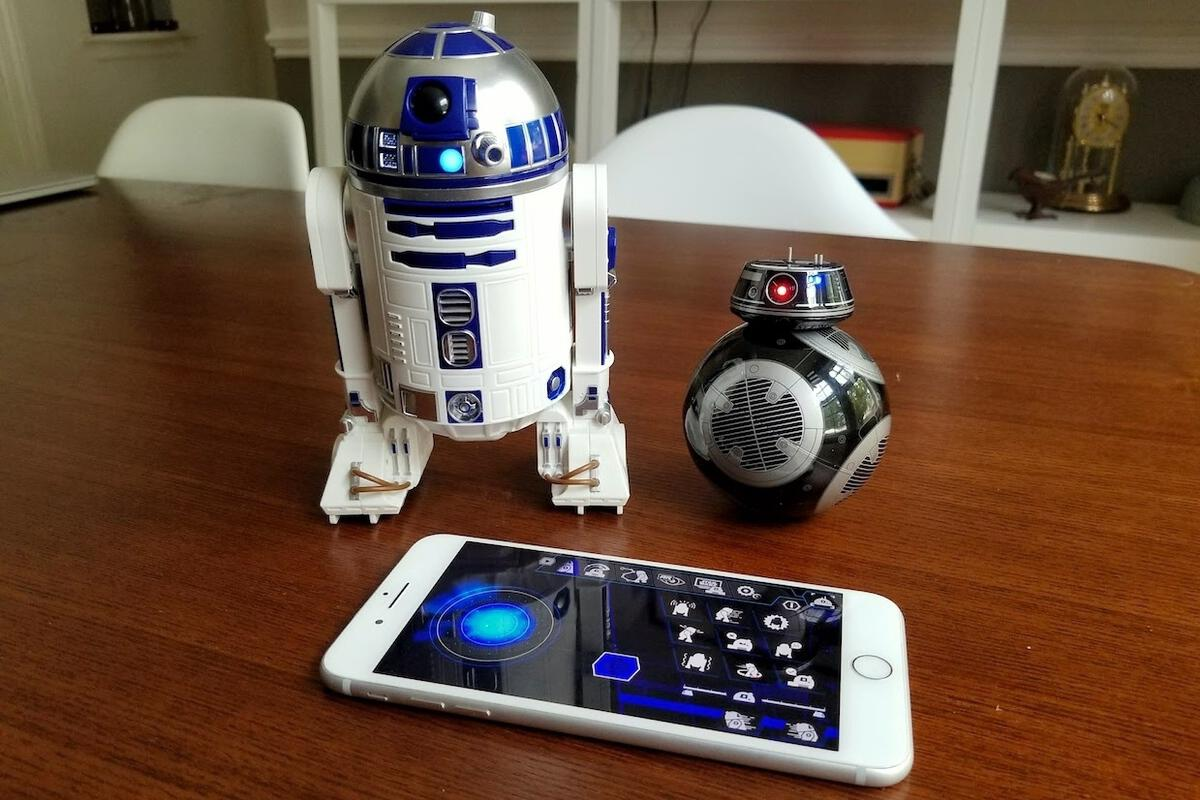 Star Wars R2-D2 and BB-9E droids from Sphero | Macworld