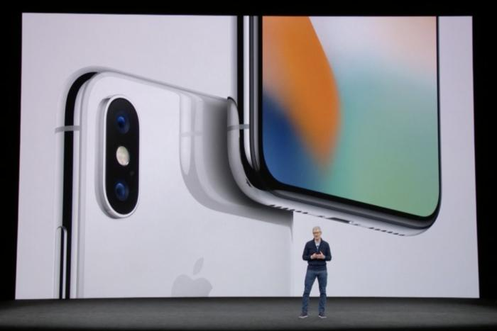 photo image iPhone X: Face ID, OLED screen, wireless charging and the other features you'll care about most