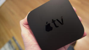 apple tv 4k hand
