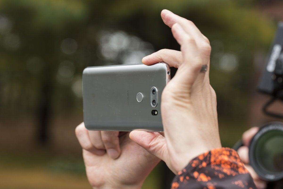 lg v30 camera hold