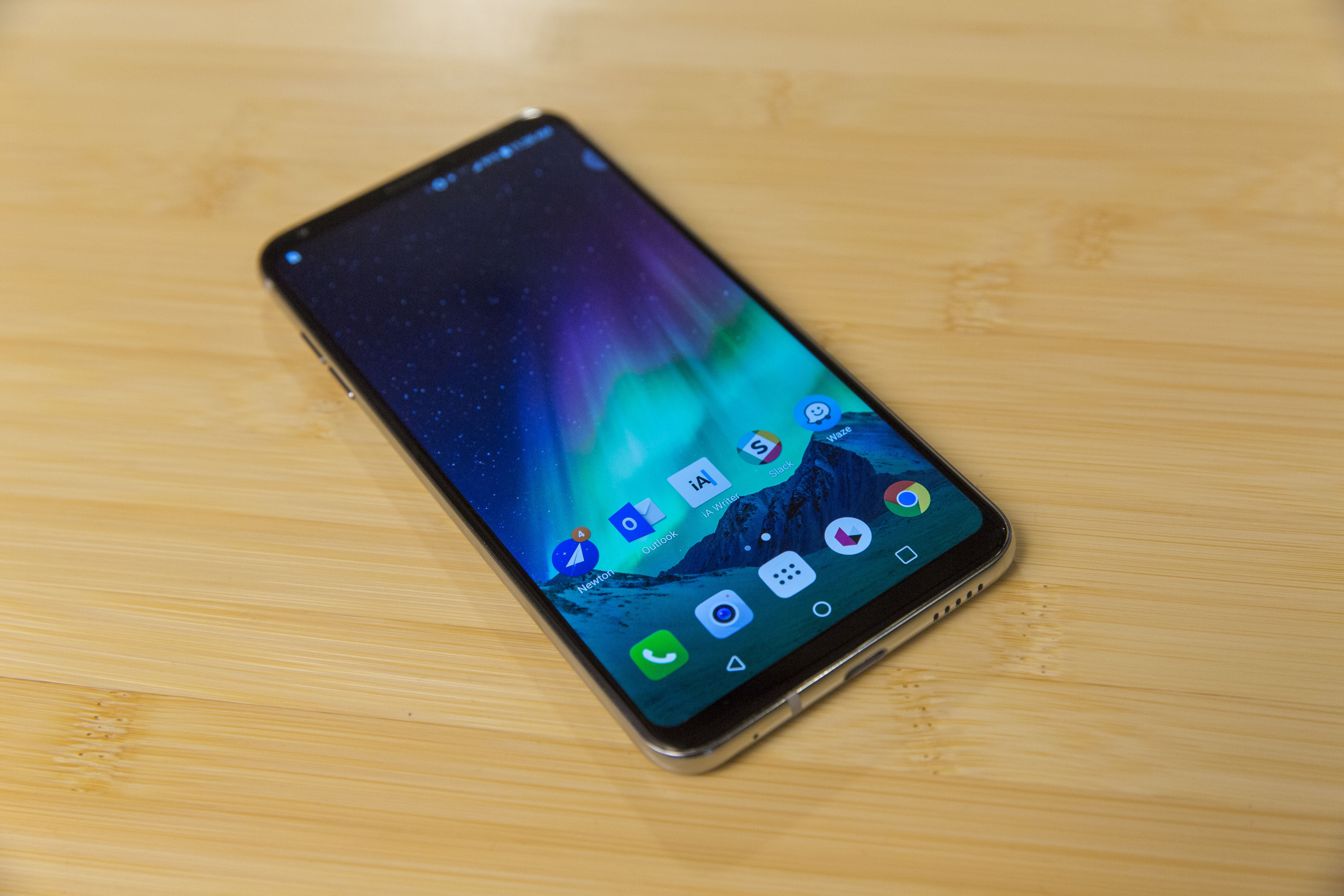LG V30 review: Another great LG phone that just isn't ...