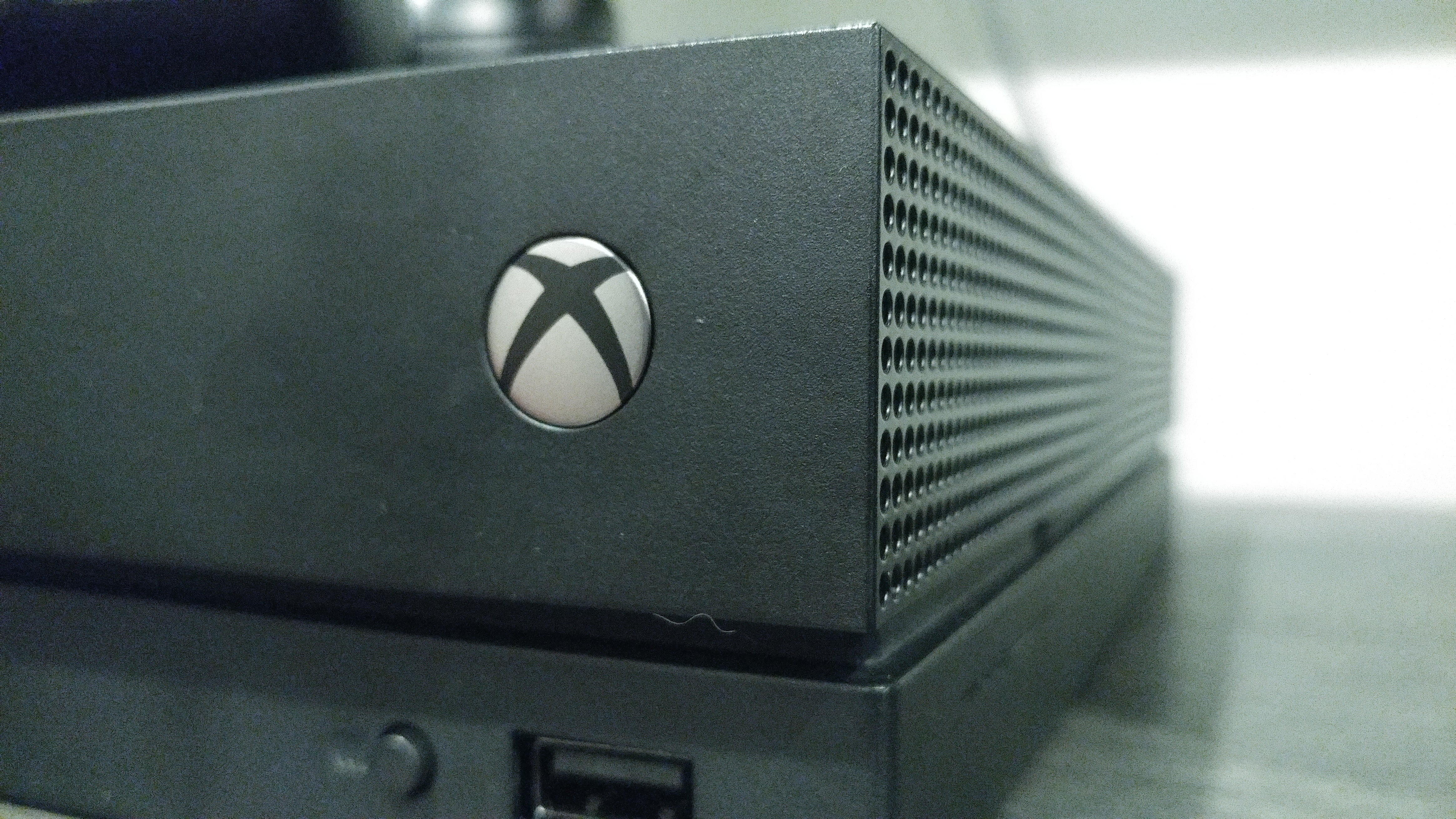 ea6cf0ad0029 Xbox One X review  A surprising amount of power in a very small box ...