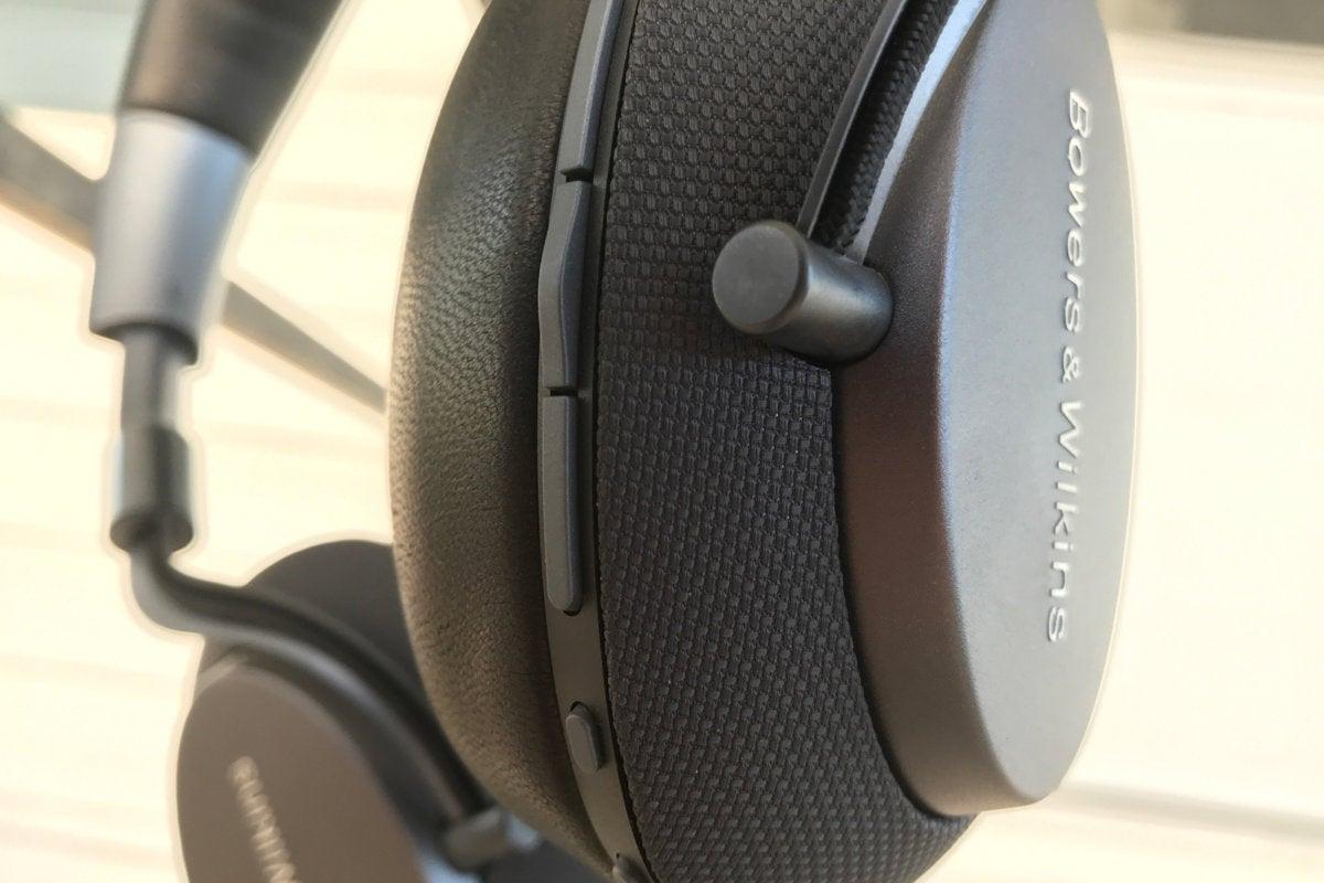 B&W PX headphone controls