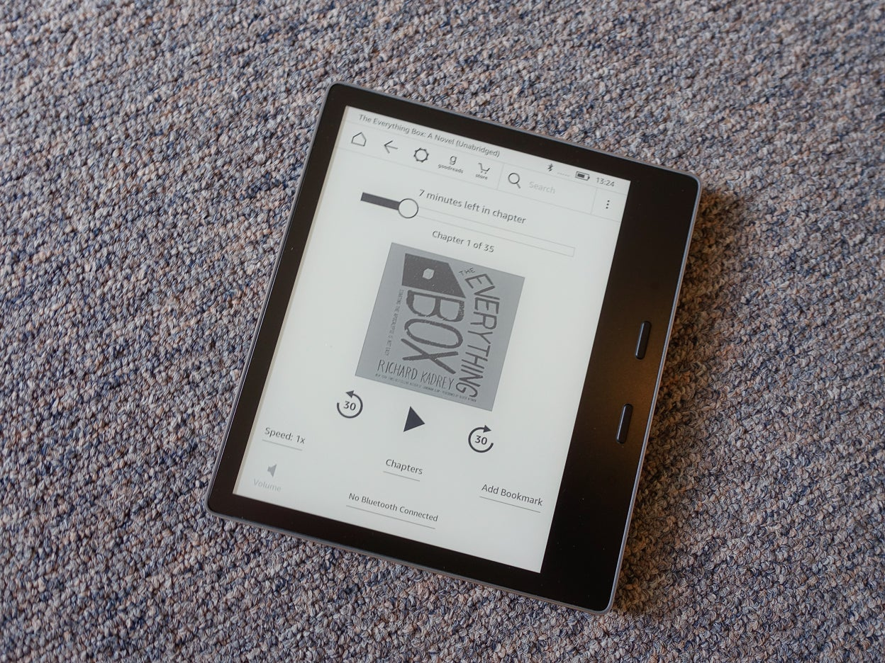 amazon kindle oasis 2017 review the ultimate ereader adds