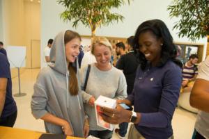 iphonex launch dubai apple store