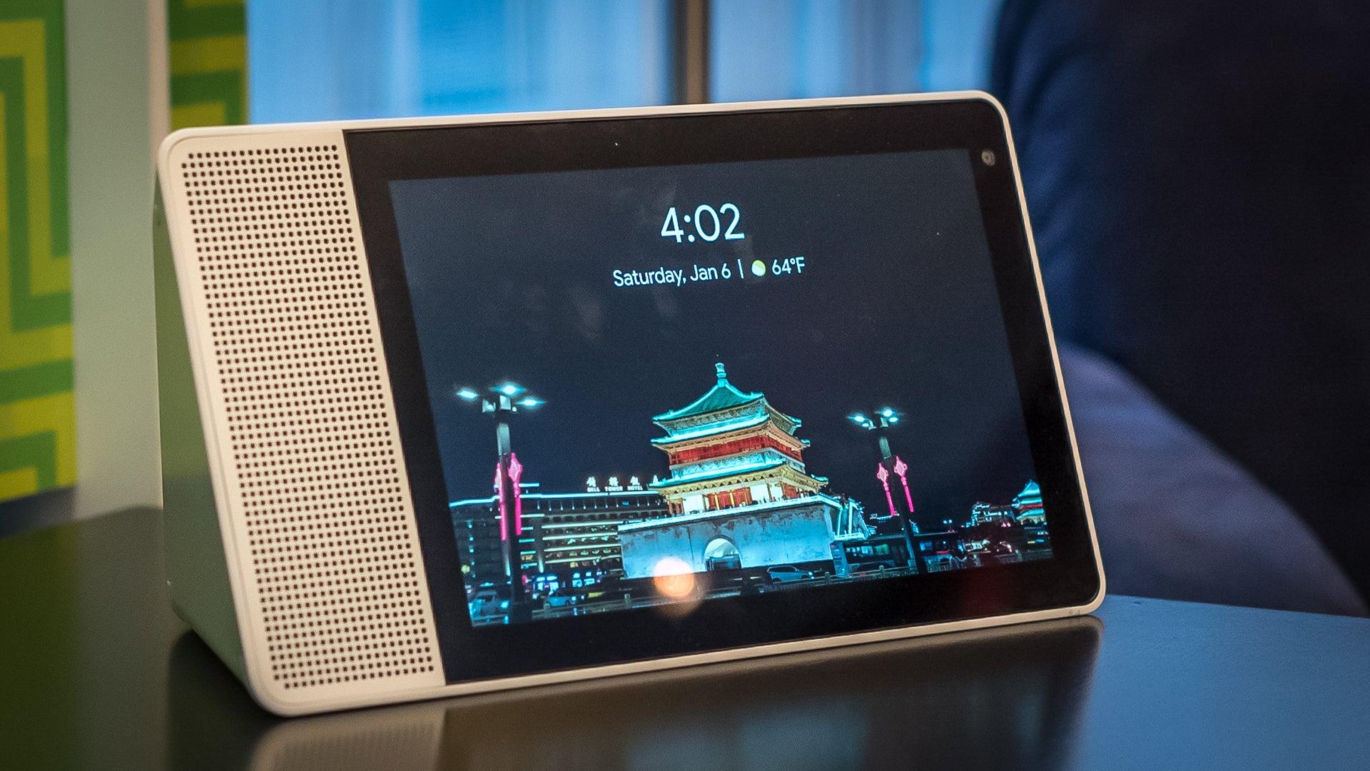 Lenovo Smart Display Puts Google Assistant Onscreen