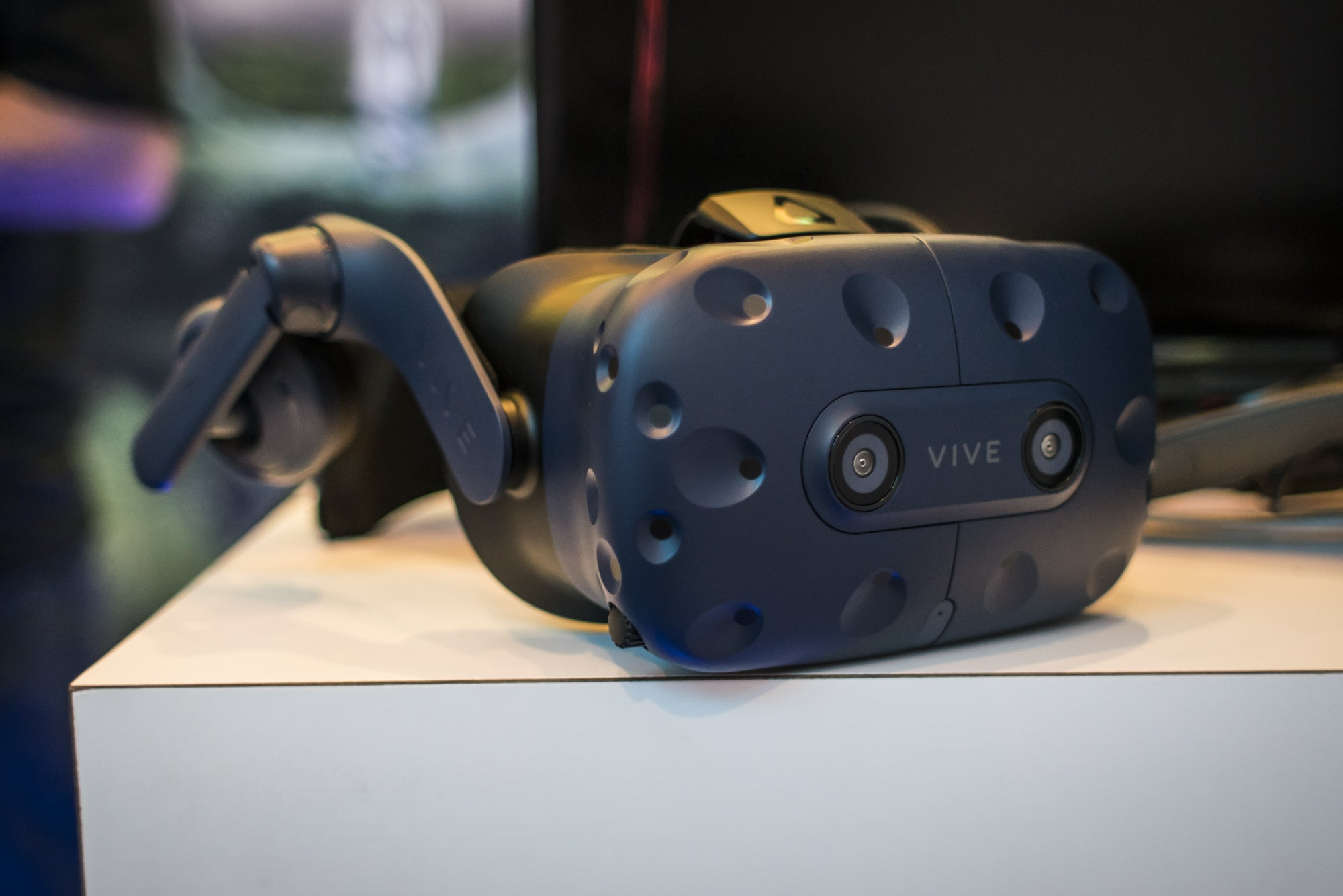 HTC Vive Pro review: Virtual reality without the rough