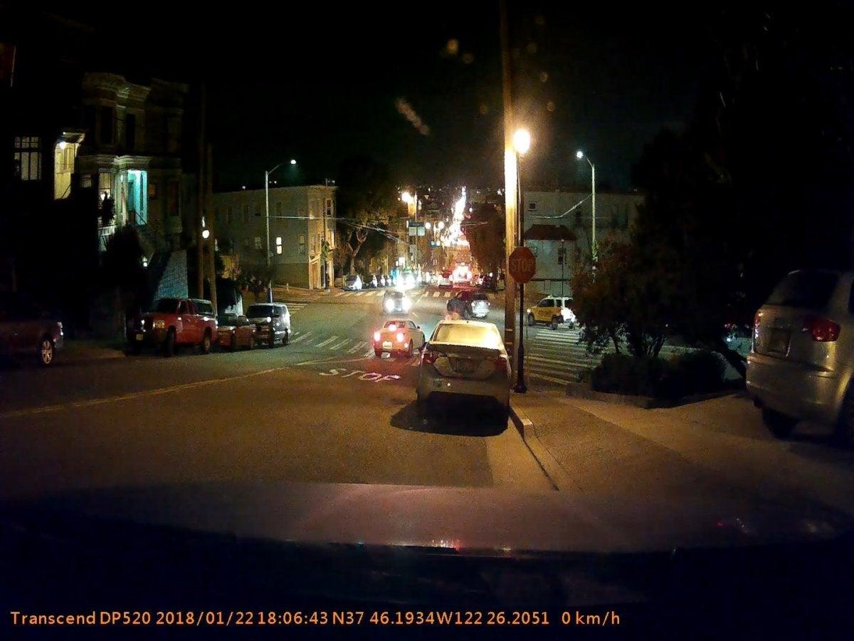 transcend drivepro 520 nighttime exterior