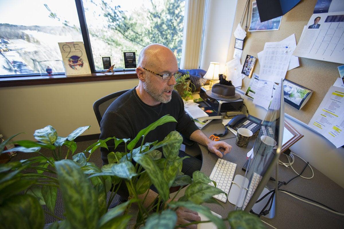 videoconferencia mala oficina escritorio desorden