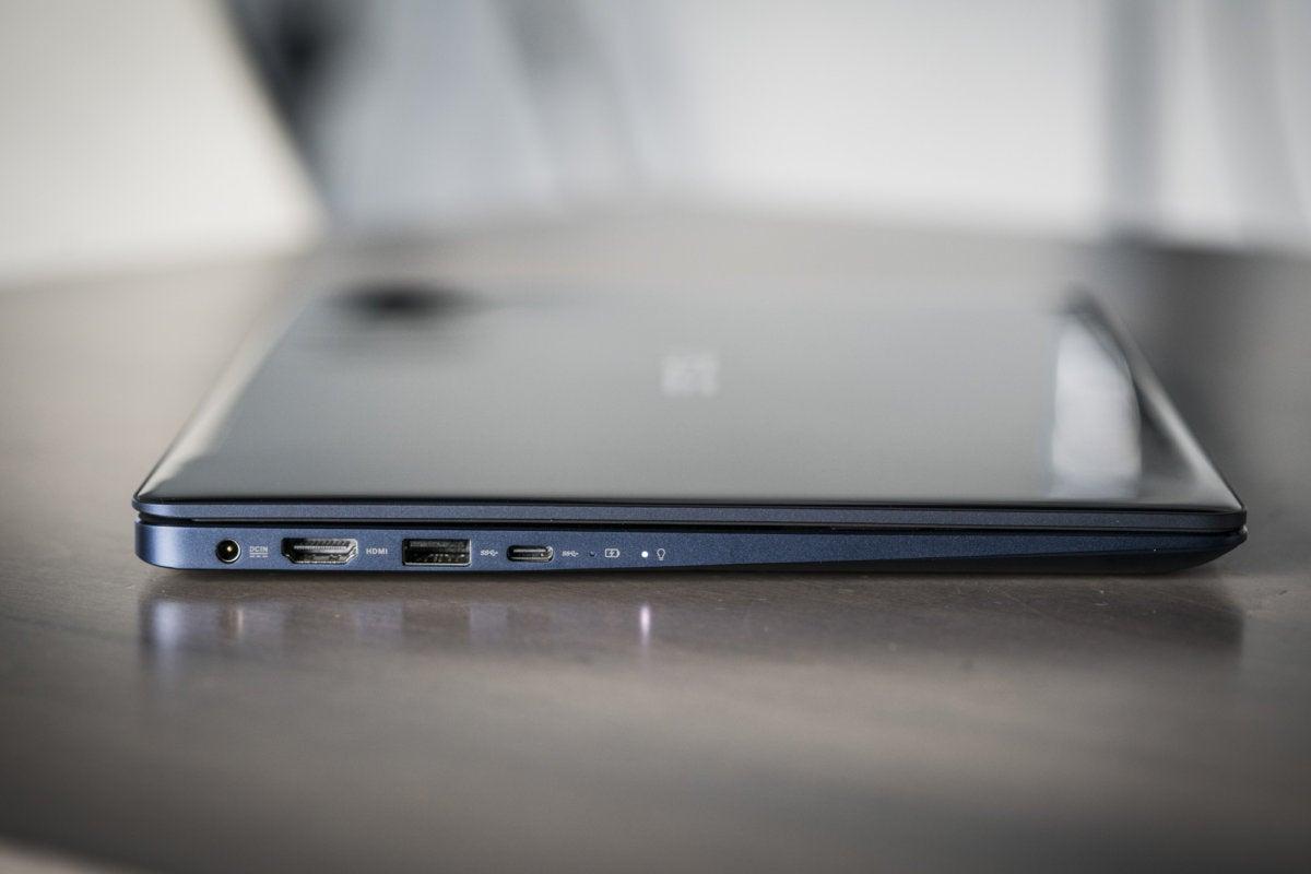 asus zenbook 13 ux331un right ports