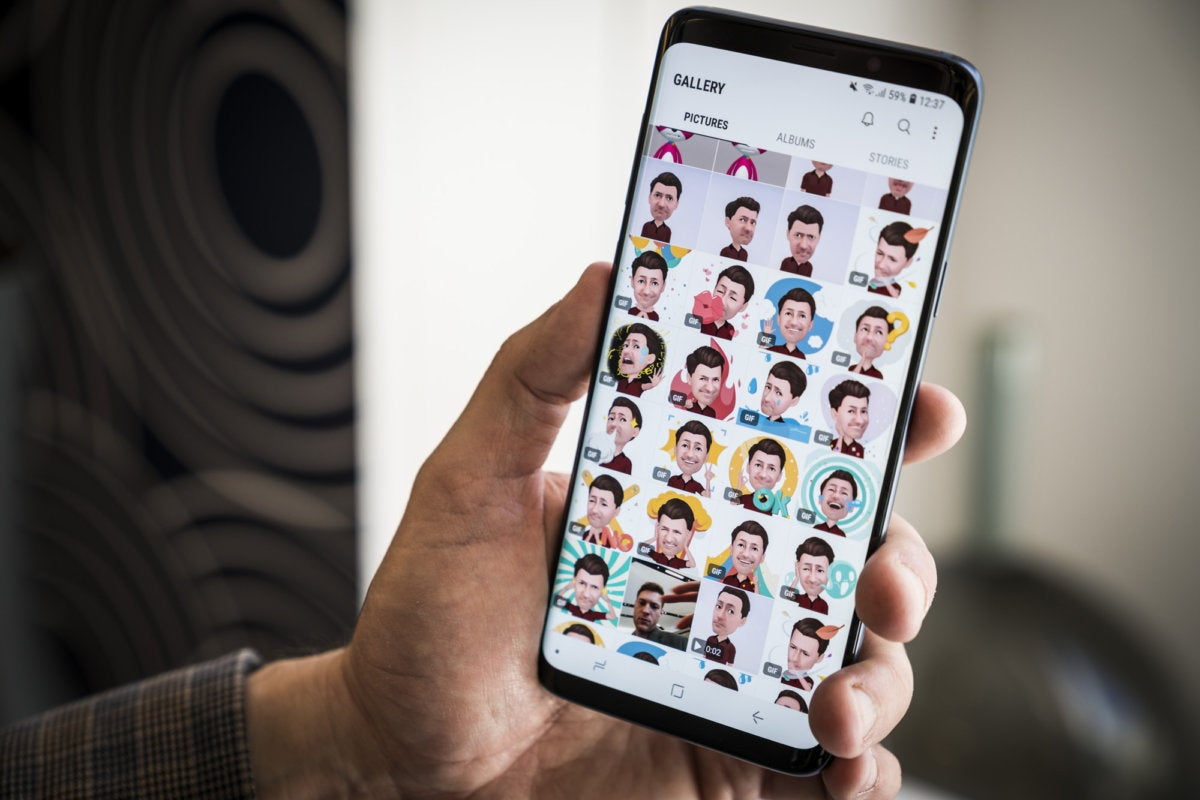 Galaxy S9+ hands on: Testing AR emojis and the dual-aperture camera