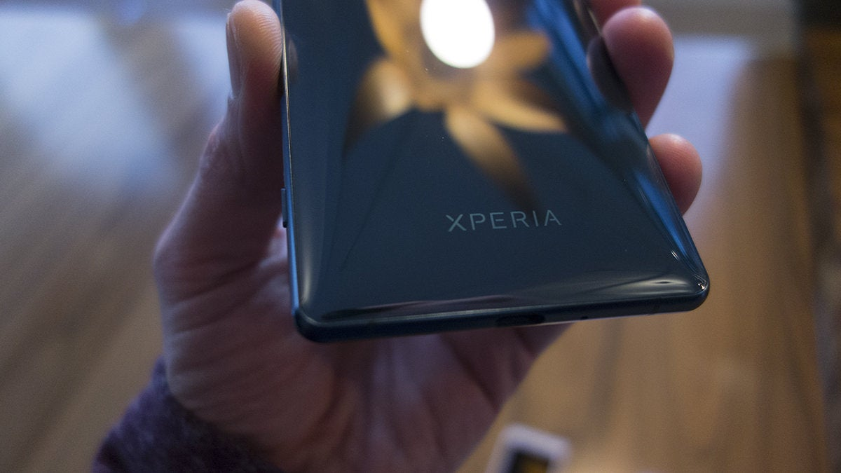 sony xz2 back xperia