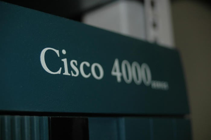 Does the Cisco 4000 router series redefine the role of routers?