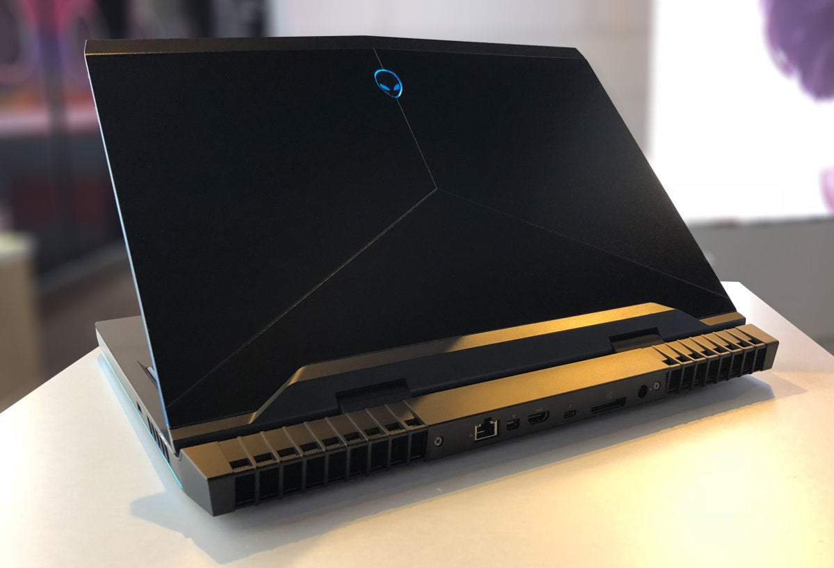 The Alienware 15 and Alienware 17 pack 6-core Intel overclockable