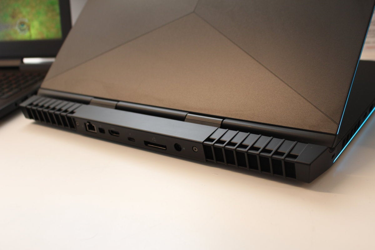 alienware 17 r5 rear vents ports