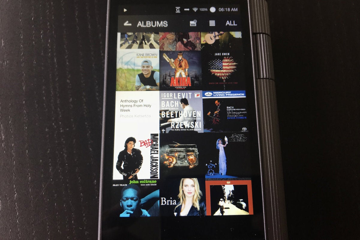 The Kann has several ways to view your music, including an all-graphical collage view.