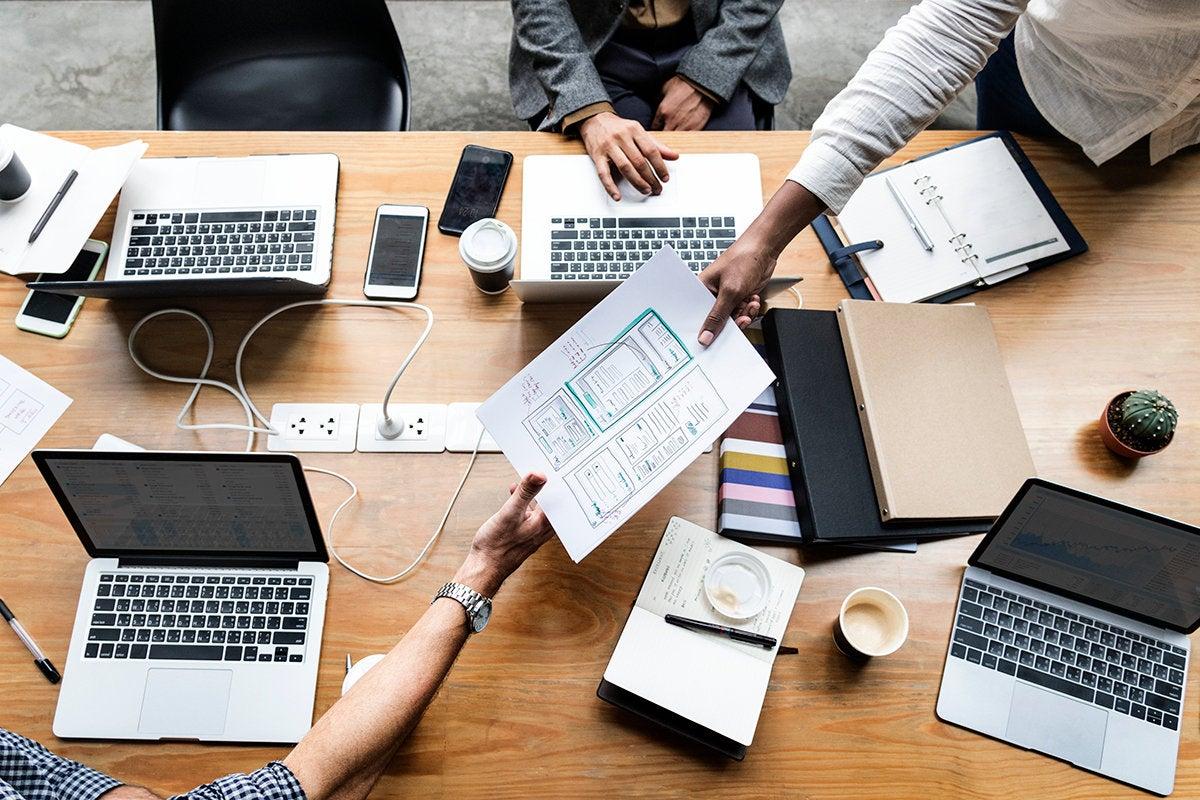 collaboration / teamwork / planning meeting / design / development
