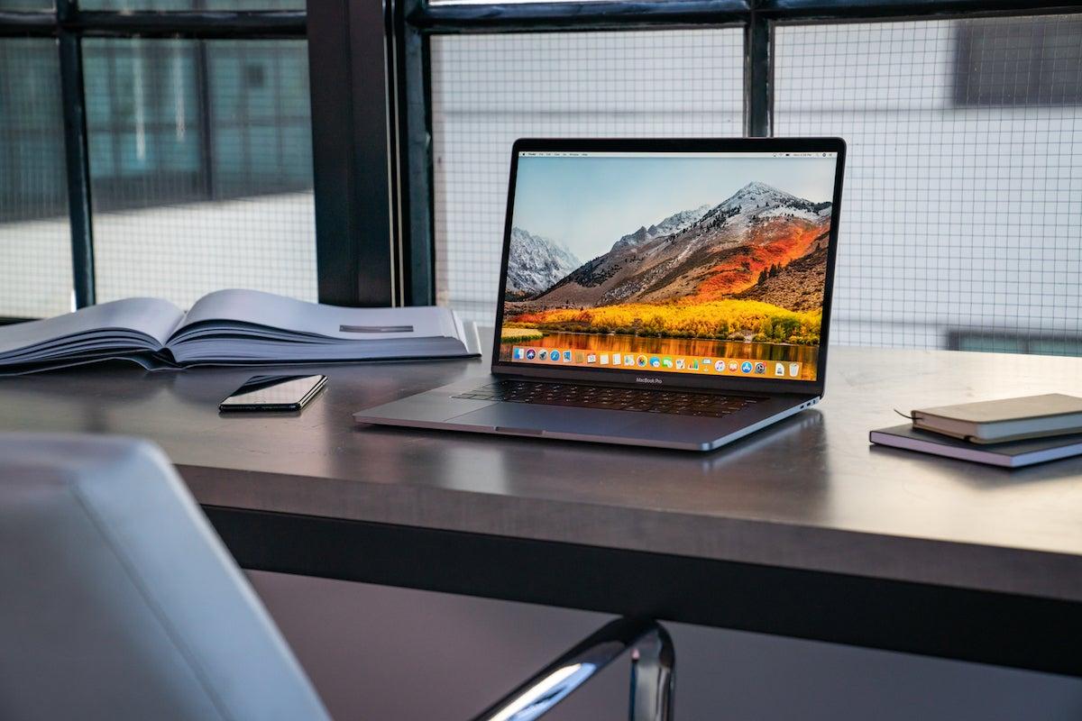 На что следует обращать внимание, покупая MacBook не в официальных центрах Apple?