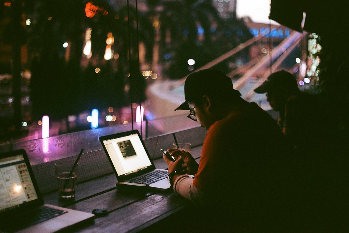 coder / developer / hacker / programmer / remote worker / digital nomad / mobile phone / laptop