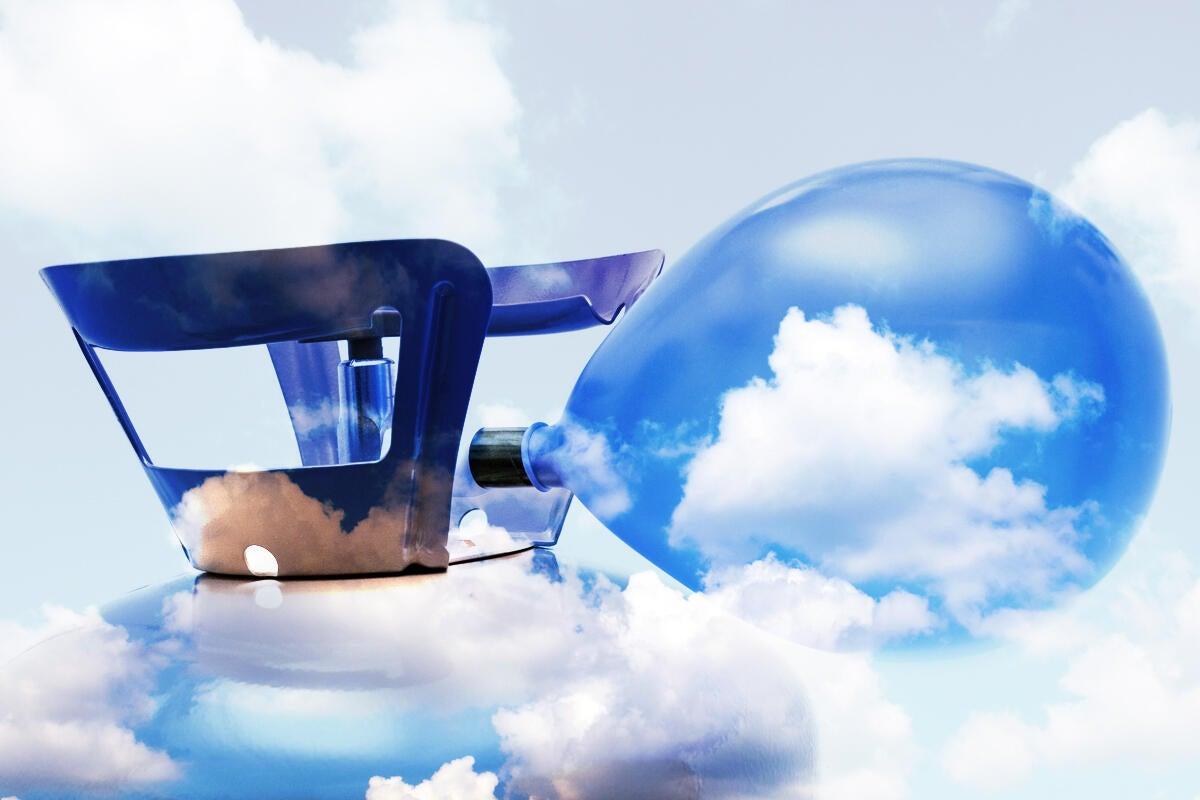cloud balloon inflate cloud computing grow big blow up