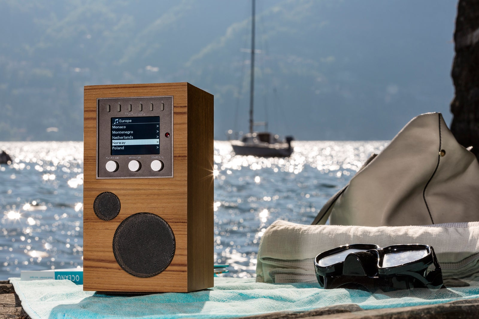 Como Audio Amico Review This Wireless Music Streaming Speaker Can Coil Device And Using On Wiring Speakers Dual Voice Go Where You Techhive