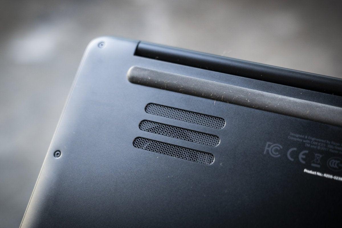 razer blade stealth bottom vents