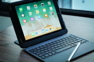 zagg nomad book ipad keyboard case
