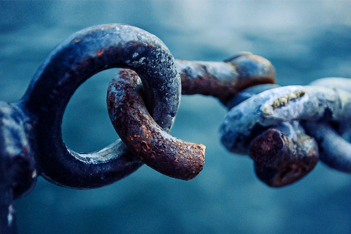 1 weakest link broken rusted chain security breach hacked