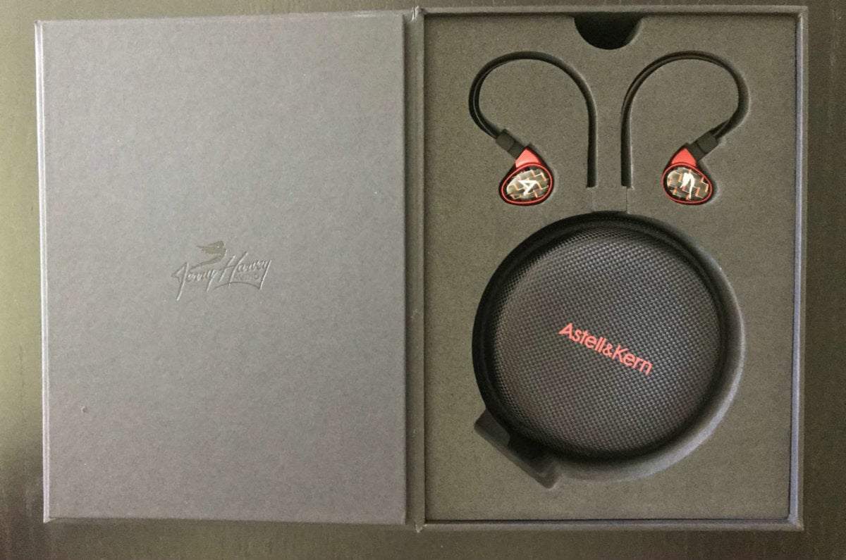 Ear pieces are branded with the Astell&Kern and Jerry Harvey Audio logos.