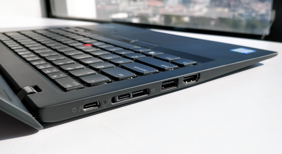 Lenovo ThinkPad X1 Carbon 6th Gen left ports